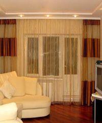 Дизайн штор для вітальні кімнати, поради та фото.