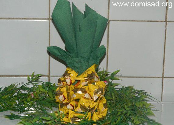 Як зробити ананас з цукерок і шампанського своїми руками, майстер - клас.