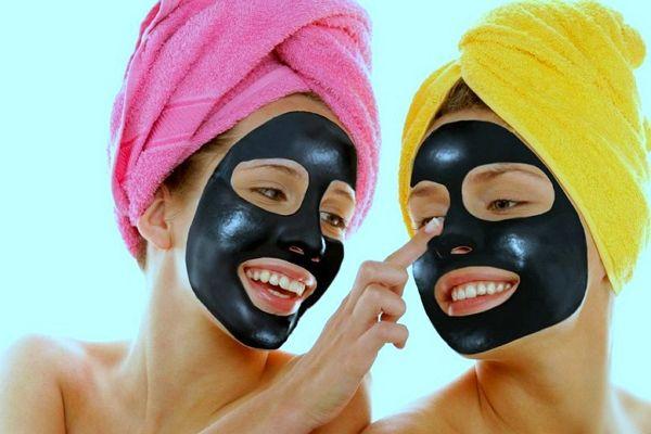 маски з активованим вугіллям