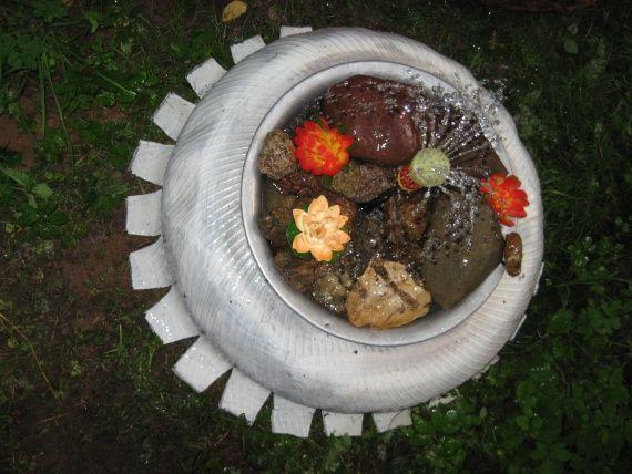міні-водойму в саду з підручних матеріалів