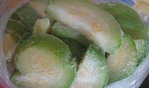 Чи можна заморожувати кабачки на зиму в домашніх умовах: кращі рецепти з зеленню і баклажанами