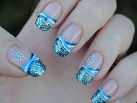Дизайн нігтів гори море