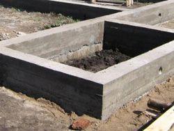 Правила заливки бетону - доставка, способи, догляд, зняття опалубки.
