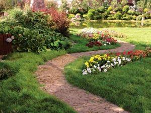 Садові доріжки. Елементи дизайну своїми руками