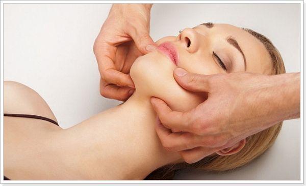 Щипковий масаж обличчя по жаке