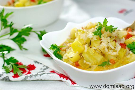 Тушковані кабачки з овочами та рисом в мультиварці (соте) - рецепт з фото.