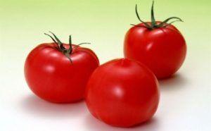 Високоврожайний томат «червоним червоно f1»: опис сорту, характеристика і фото