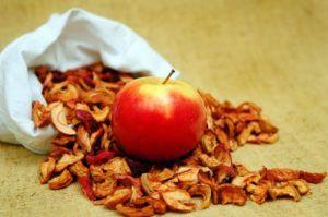 Заготовляємо сушені яблука на зиму